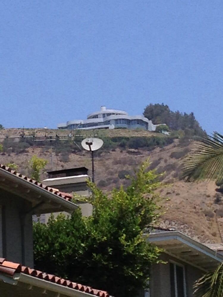 photo of hollywoodland tours los angeles ca united states tony starks iron - Iron Man House