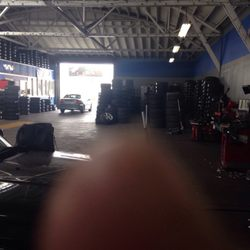 Calderon S Tires And Wheels 27 Reviews Tires 1621 Freedom Blvd