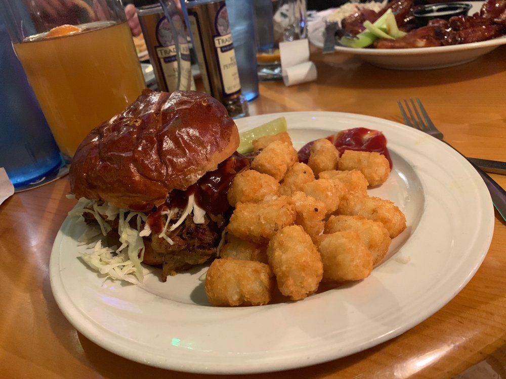 Spring Brook Sports Bar & Grill: 242 Lake Shore Dr, Wisconsin Dells, WI