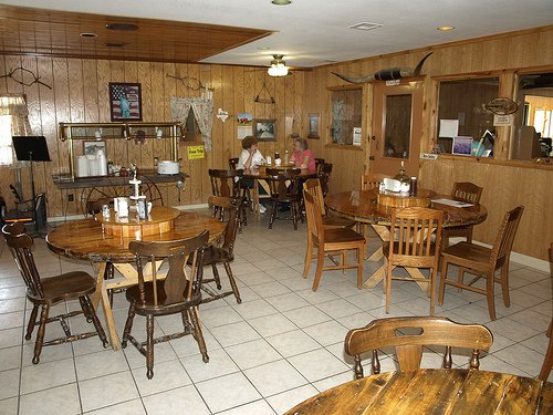 Luther's Smokehouse: 102 W 6th St, Le Roy, KS