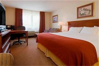 Holiday Inn Express Chelsea 1540 Commerce Park Dr Mi Hotels Motels Mapquest