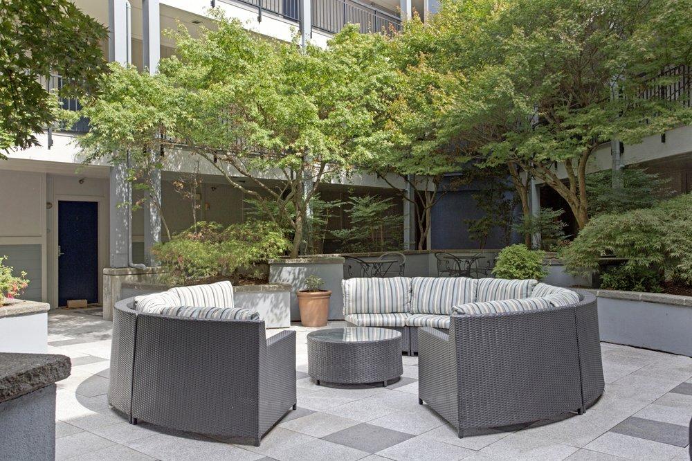 700 Broadway Apartments: 700 Broadway E, Seattle, WA