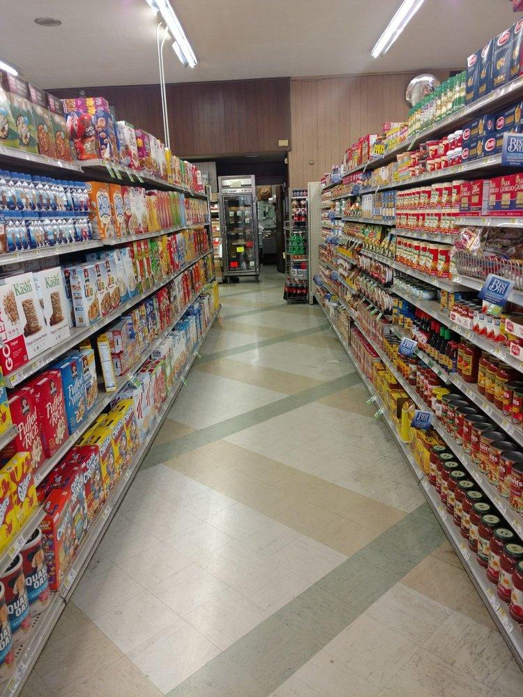 Weiser's Market: 805 Main St, Akron, PA