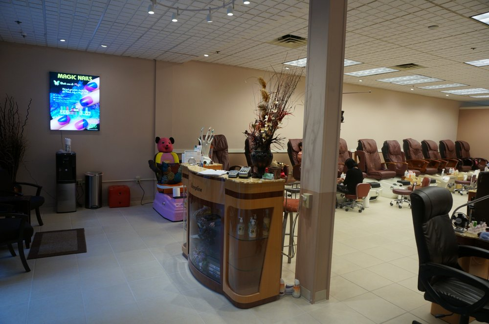 Magic Nails: 3411 Quincy Mall, Quincy, IL