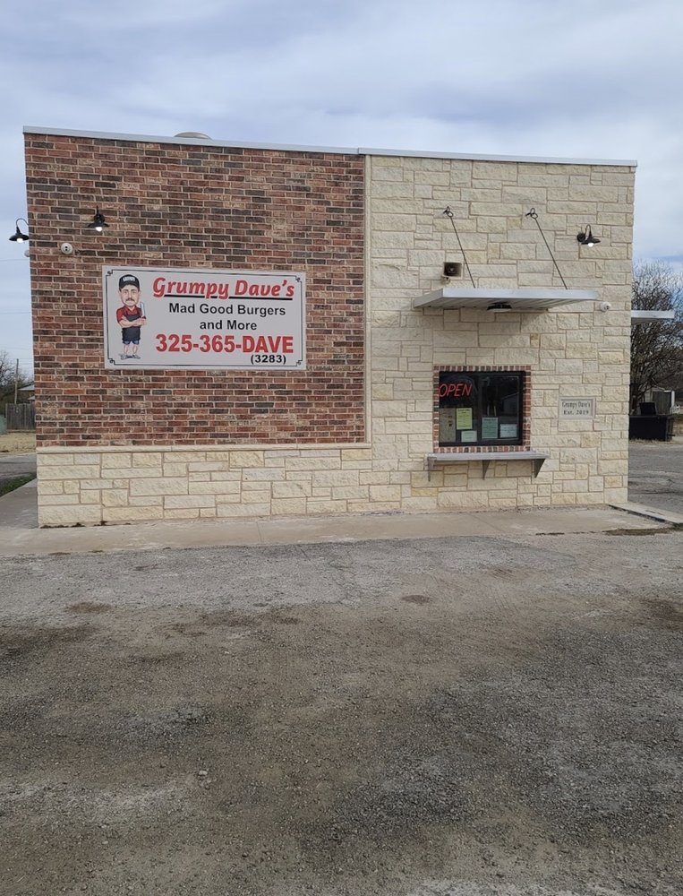 Grumpy Dave's: 1604 N Broadway St, Ballinger, TX