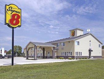 Super 8 by Wyndham Ida Grove: 90 East Highway 175, Ida Grove, IA
