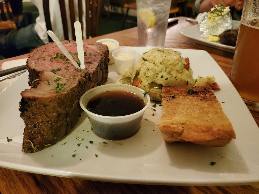Dry Creek Station Restaurant: 22025 Highway 299 E, Bella Vista, CA