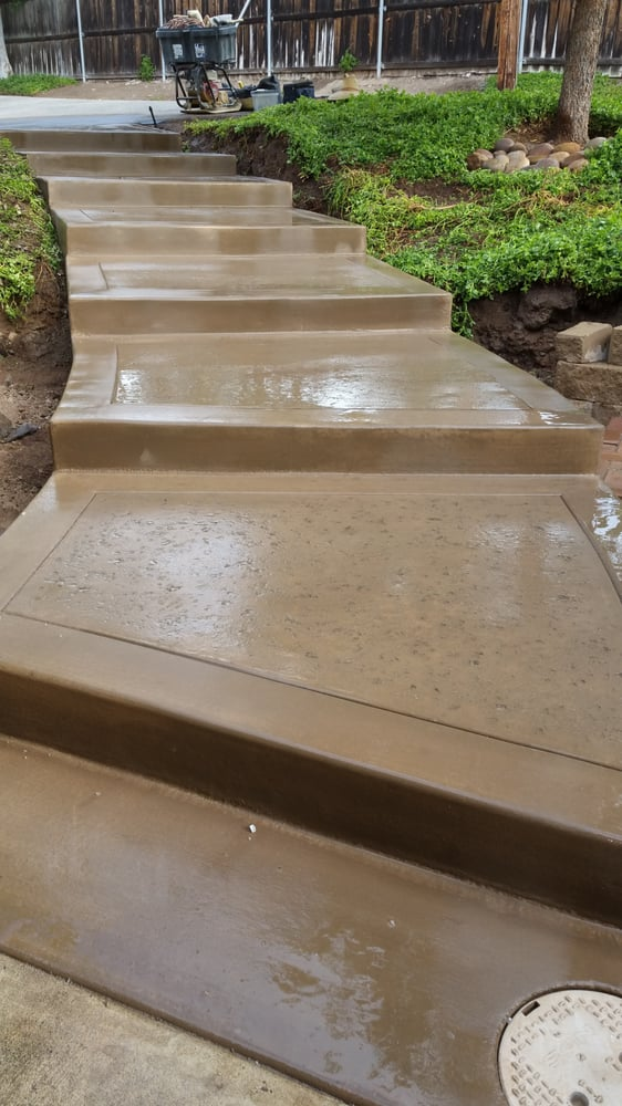 San Diego Buff Color Concrete Steps With Hand Tooled