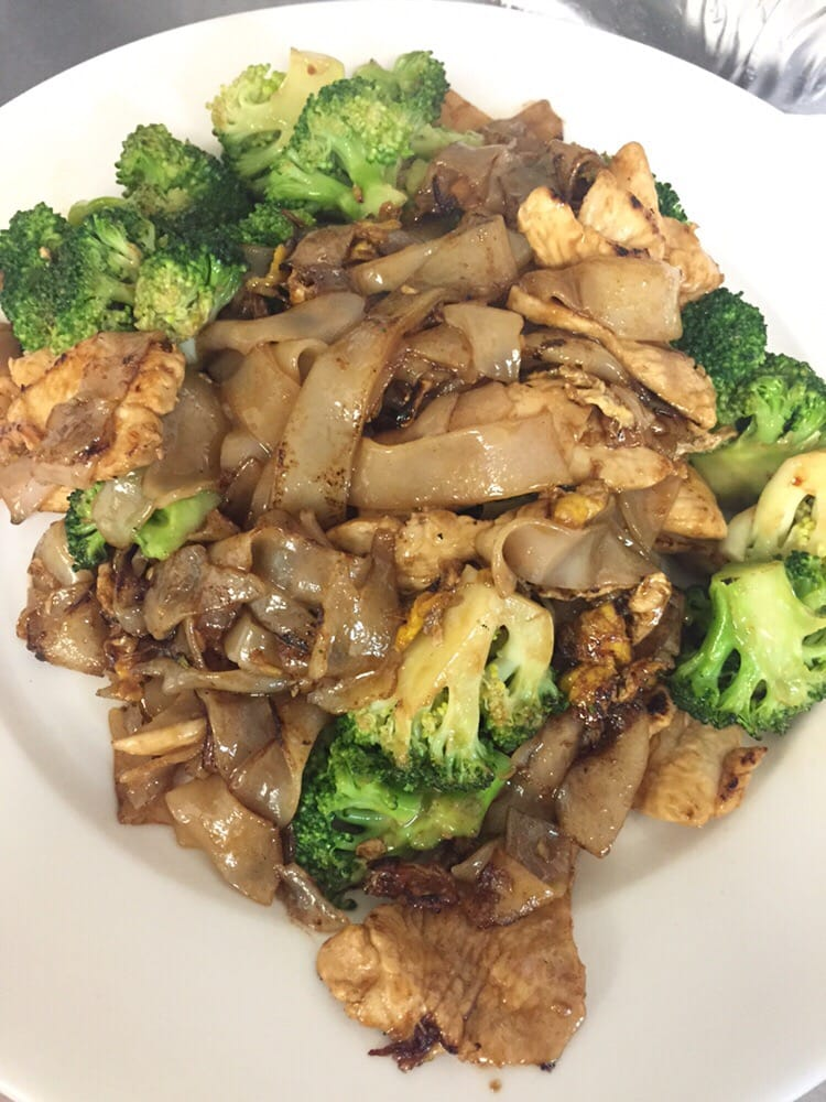 Pad see eue with ck yelp for Anothai cuisine cypress