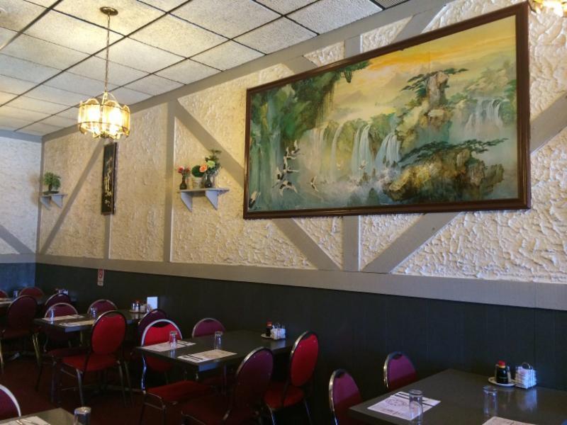 Tidbit Restaurant: 74 Main Street S, Carman, MB