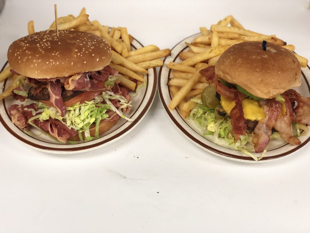 Food from Tam's Burger
