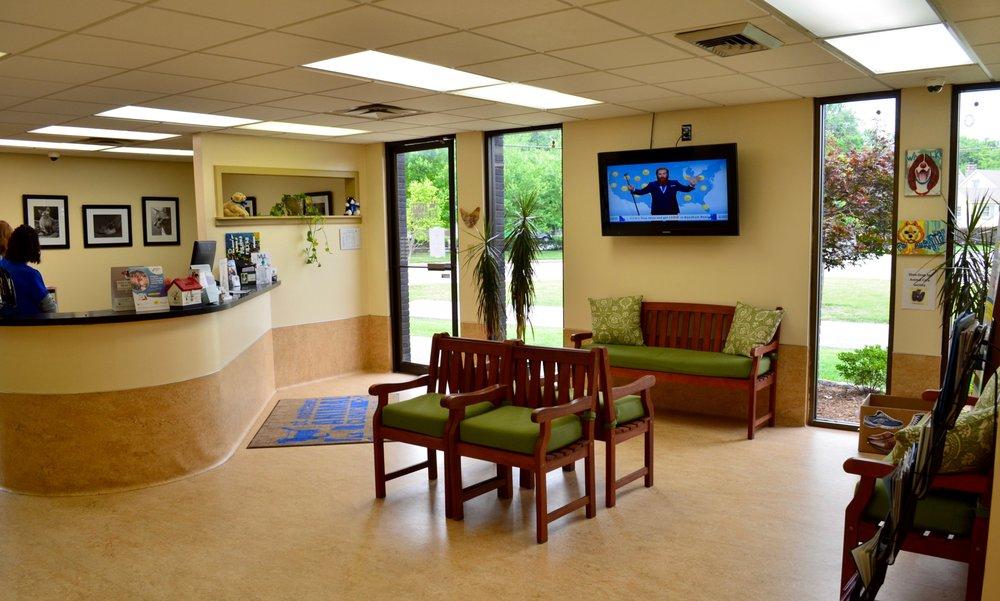 St. Matthews Animal Clinic: 111-R Fairfax Ave, Louisville, KY