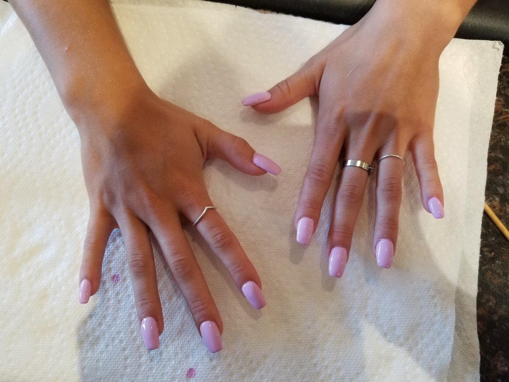 Clover Nail Salon: 526 Montauk Hwy, East Quogue, NY