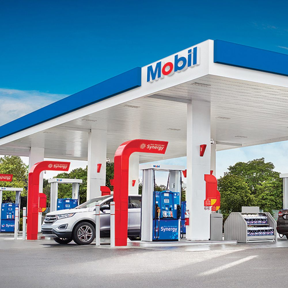 Mobil: 103 S West St, Tipton, IN