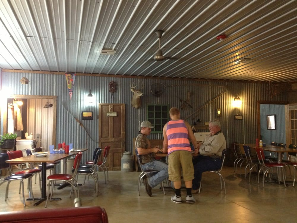 Burrows of Pond Creek Restaurant: Highway 60 & 81, Pond Creek, OK