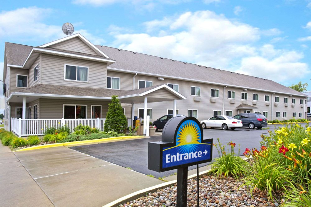Days Inn by Wyndham Ames: 229 South Duff Avenue, Ames, IA