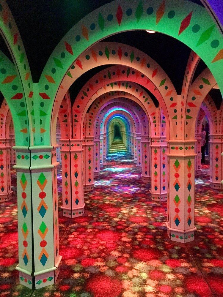 Amazing Mirror Maze the Mall of America