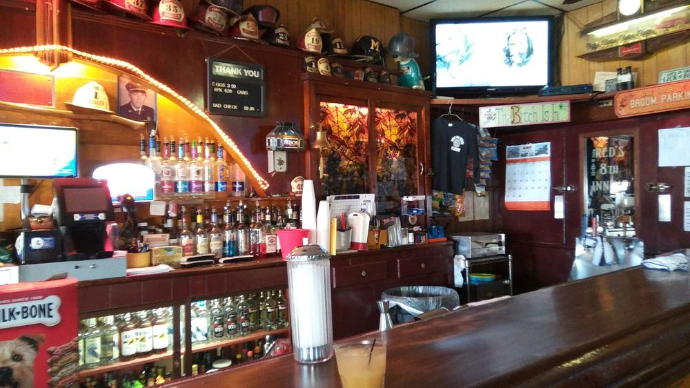 Red's Eighth Inning Bar