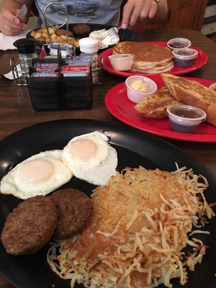 The Breakfast Stop: 119 E 5th St, Bonham, TX