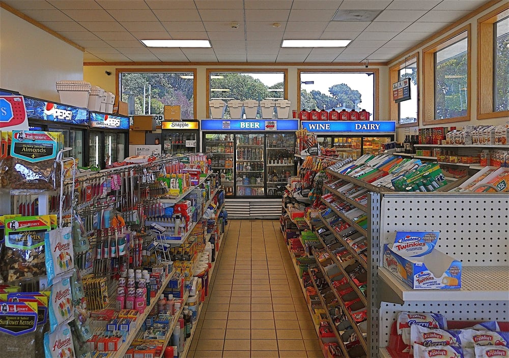 76 Station: 900 Hwy 1, Bodega Bay, CA