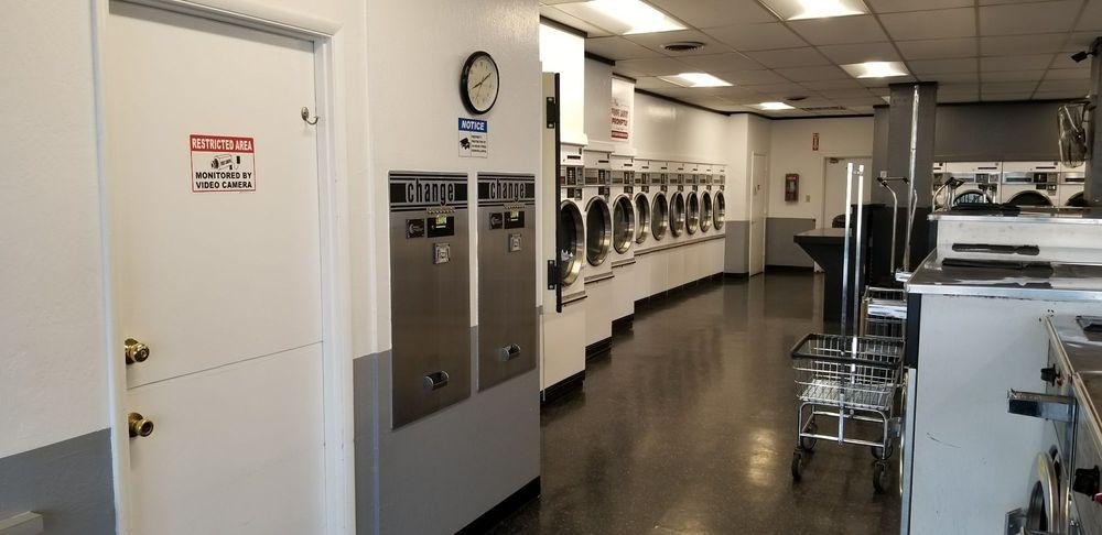 Neighborhood laundry: 986 East Ave, Chico, CA