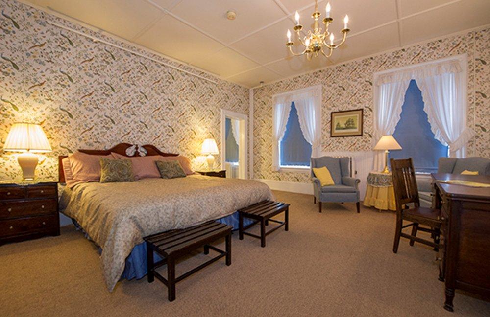 The Brandon Inn: 20 Park St, Brandon, VT