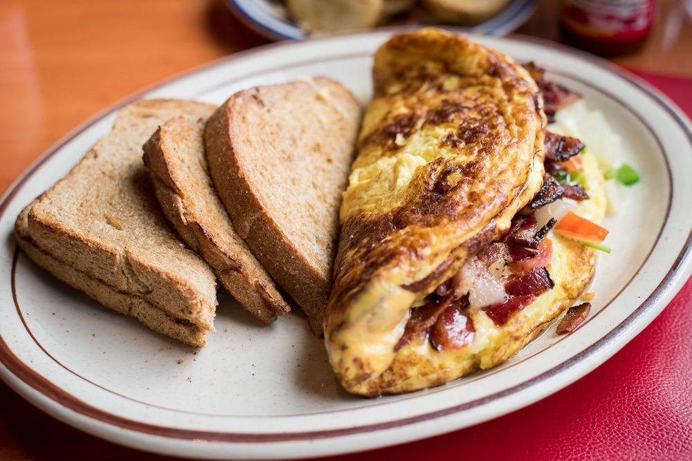 Polly's Pancake Parlor: 672 Rt 117, Sugar Hill, NH