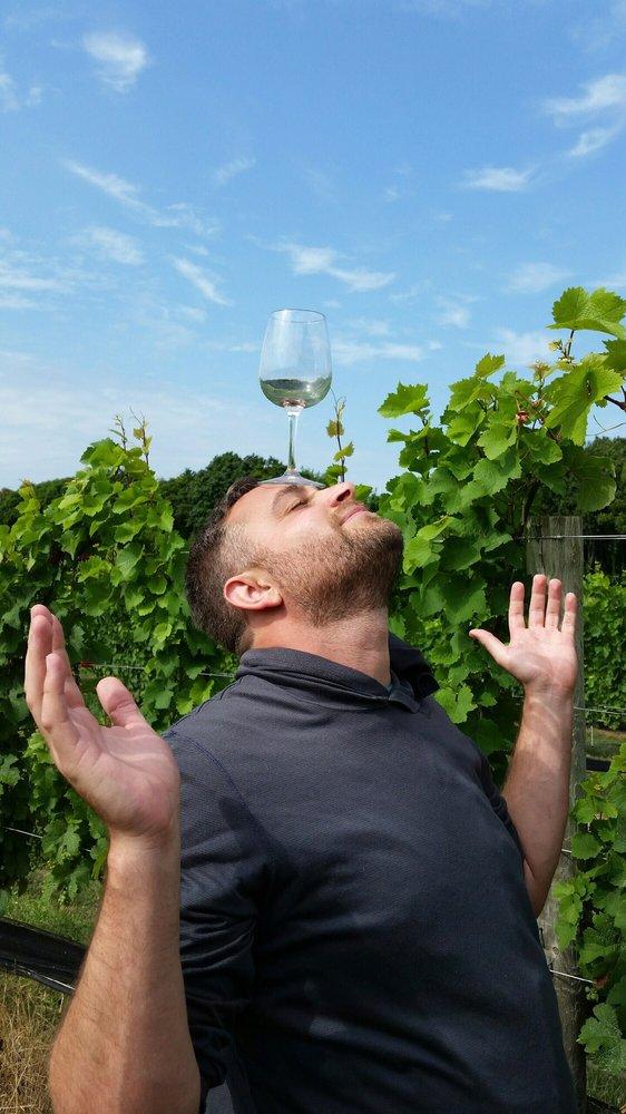 Paumanok Vineyards: 1074 Main Rd, Aquebogue, NY
