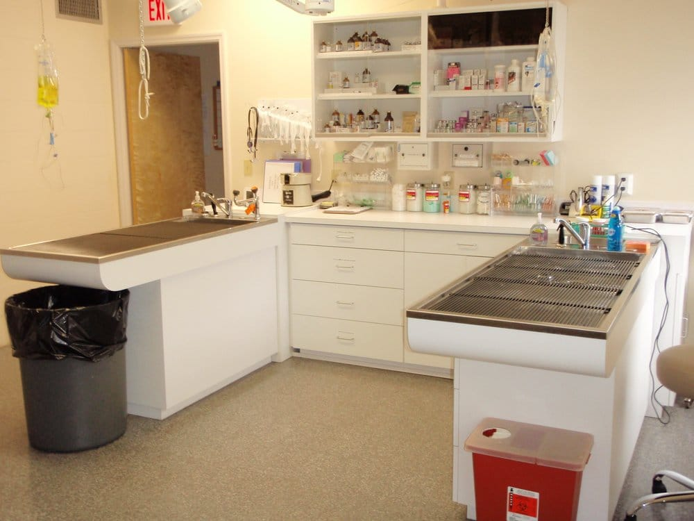 Ocala Animal Emergency Hospital - CLOSED - Veterinarians - 1815 NE ...