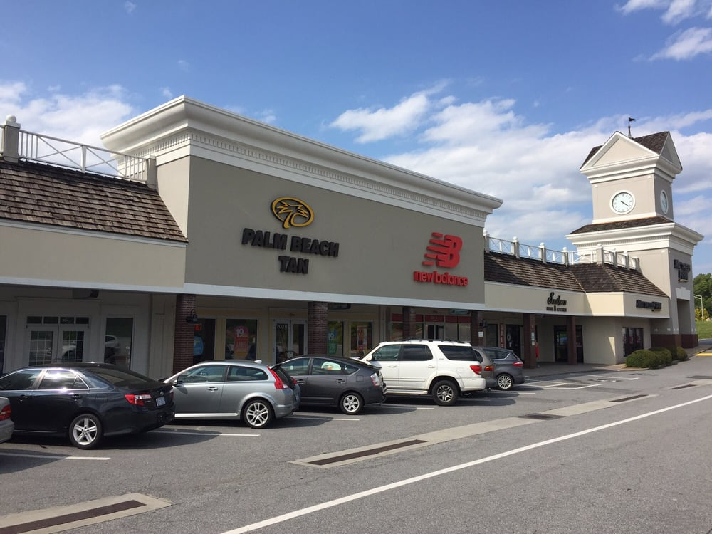 Thruway Shopping Center: 300 S Stratford Rd, Winston-Salem, NC