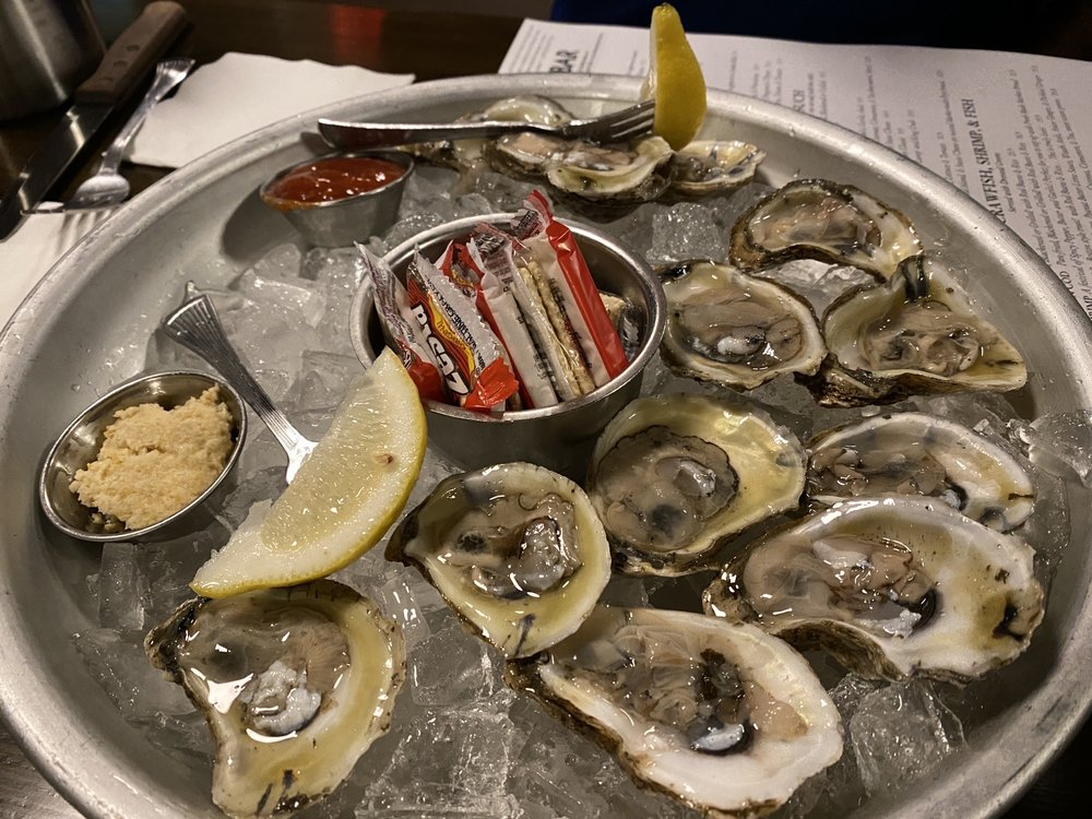Jonah's 2601 Oyster Bar: 2601 N Main St, East Peoria, IL