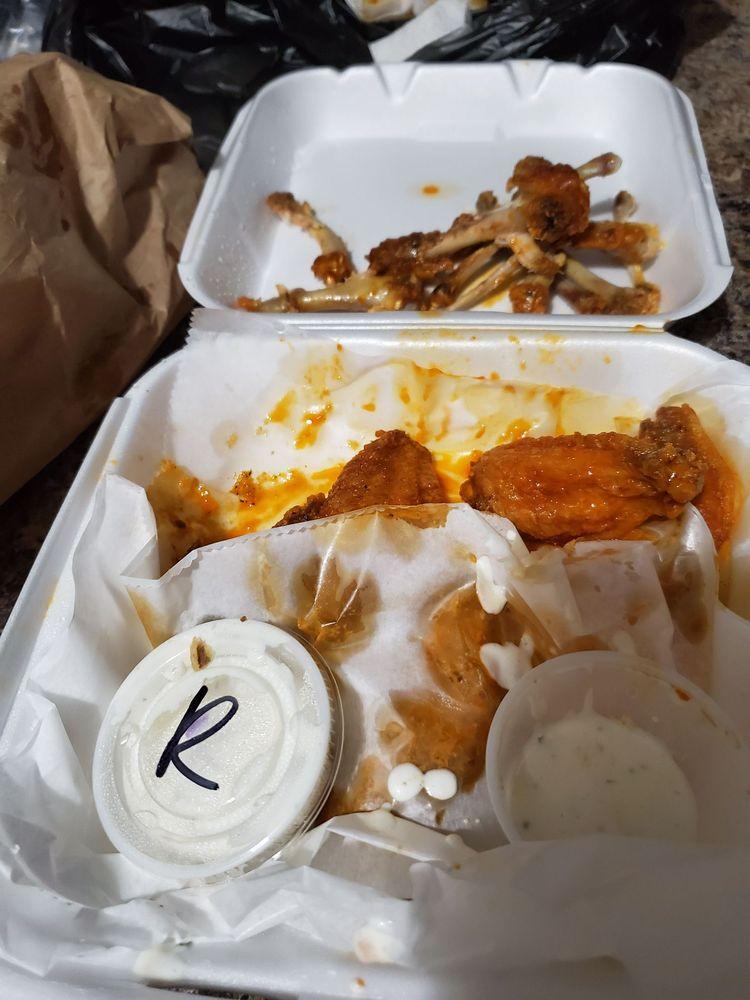 DogOnIt Hotdogs: 227 Walnut Ave S, Leesburg, GA