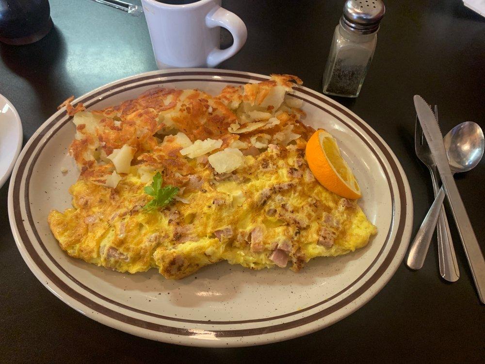 The Downtowner Casual Cafe: 715 1st Corso, Nebraska City, NE