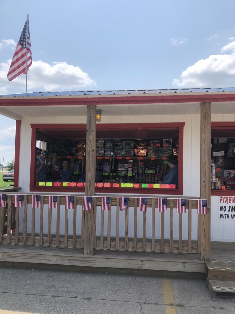 High's Discount Fireworks: 501 W Conner Ave, Fairland, OK