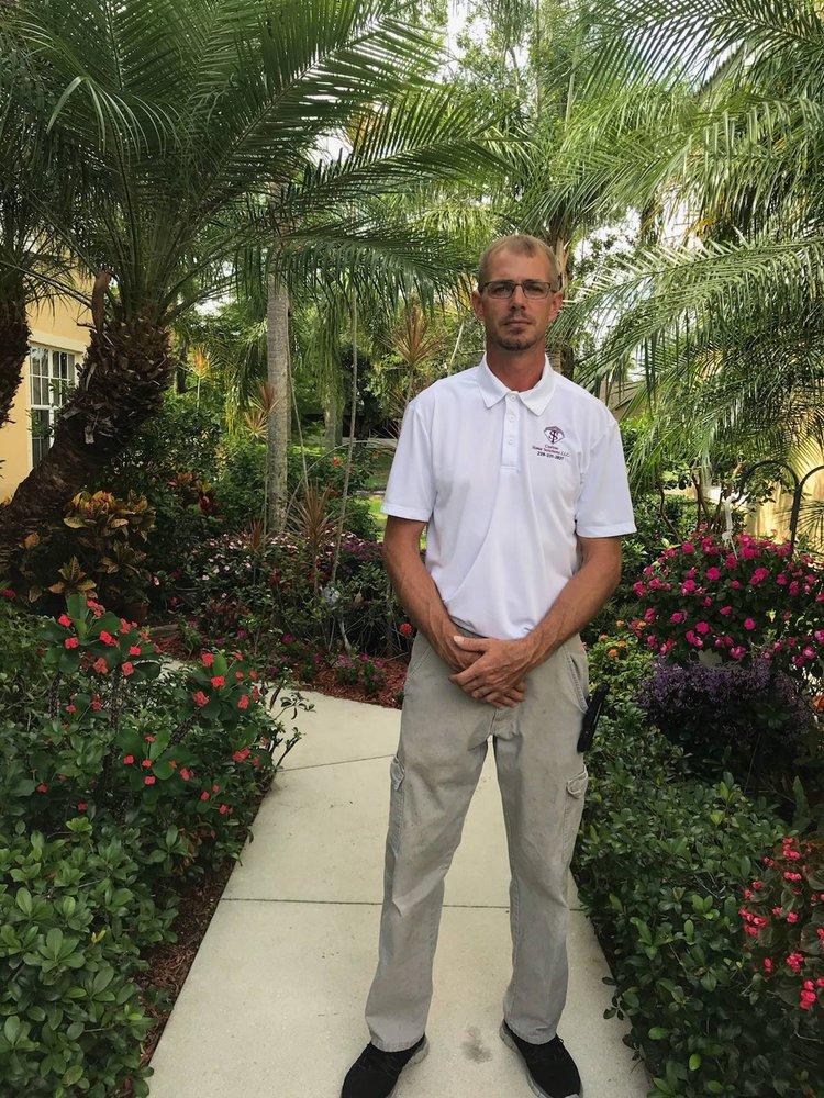 ST Custom Home Solutions: 8385 Big Acorn Cir, Naples, FL