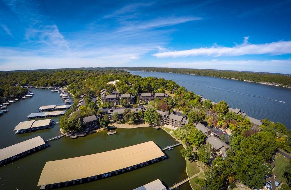 The Knolls Resort Condominiums: 5940 Baydy Peak Rd, Osage Beach, MO
