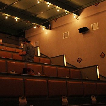 Syndicated Bar Theater Kitchen 188 Foto S 194 Reviews