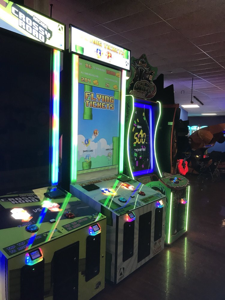 Hogwild Family Fun Center: 3000 S 70th St, Fort Smith, AR