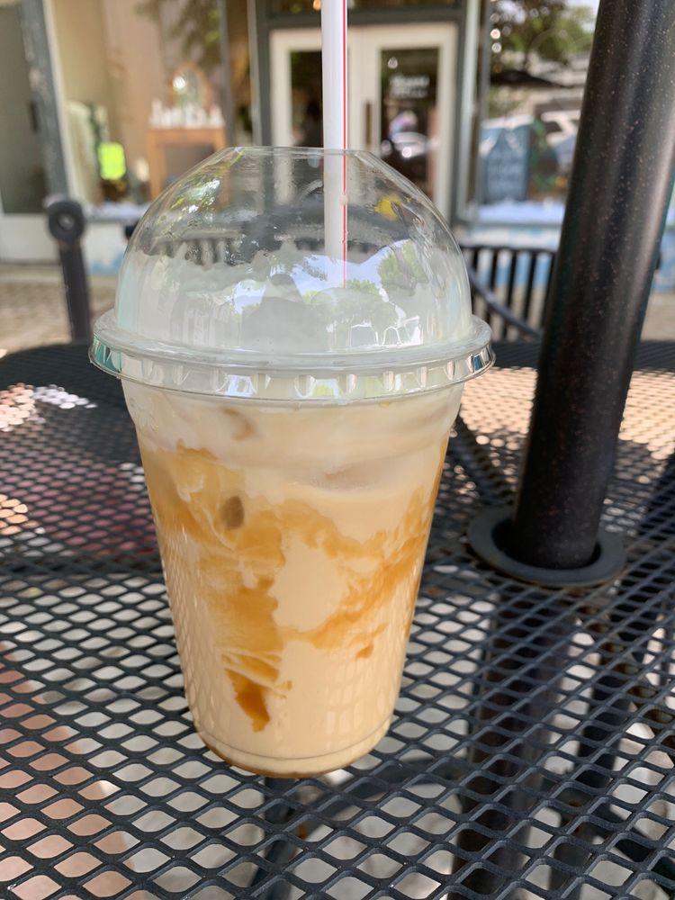Beautiful You Cafe: 108 E Public Square, Scottsville, KY