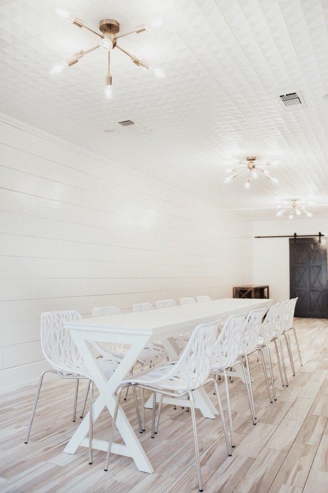 The Eucalyptus Room: 320 E California St, Gainesville, TX