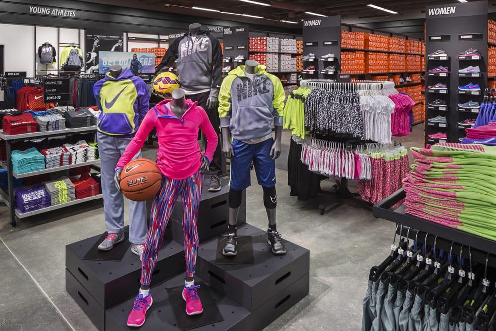 7e315cbaa5db Photos for Nike Clearance Store - Yelp
