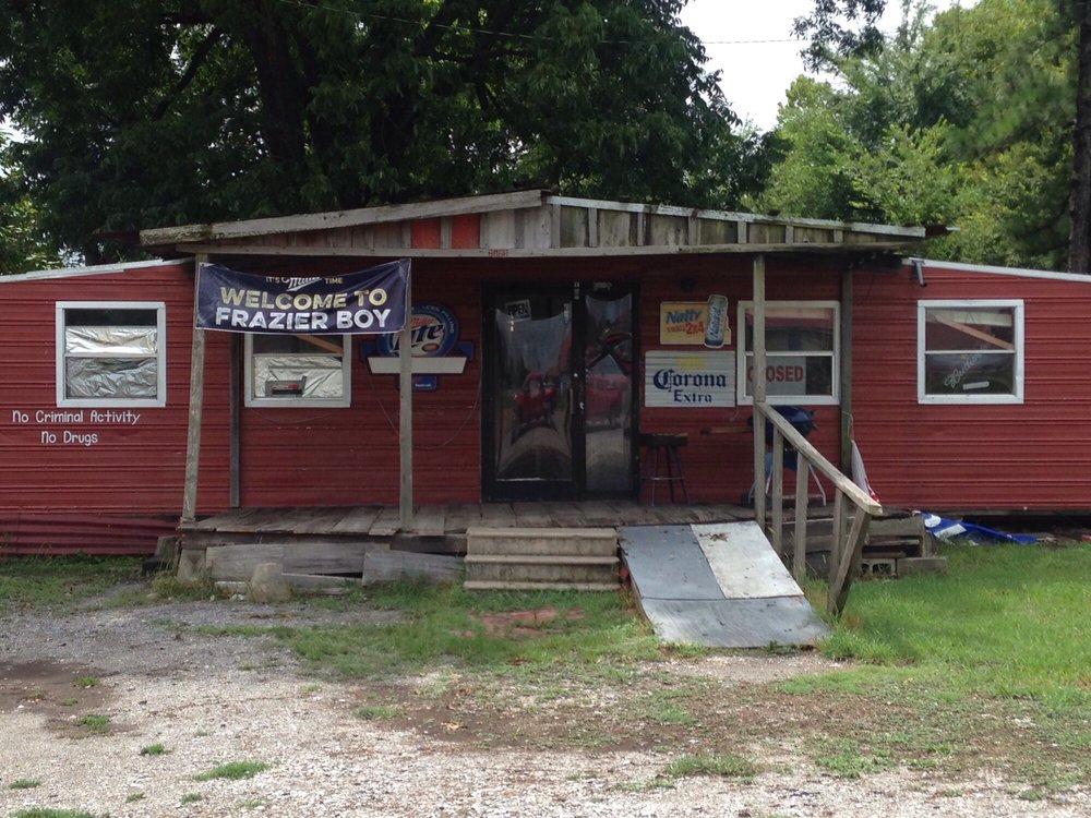 Front Porch Barbecue: 2598 Old Highway 61 N, Tunica, MS