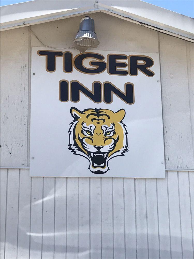 Tiger Inn: 704 N Main St, Loreauville, LA