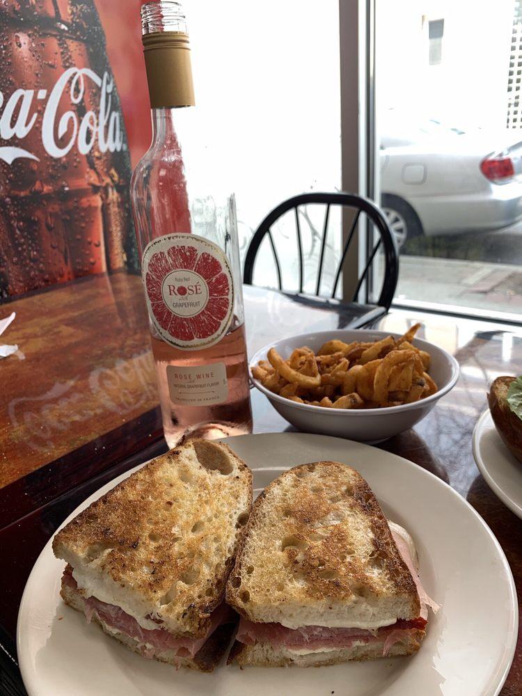 Joseph's Eatery & Catering: 589 Broadway, Bayonne, NJ