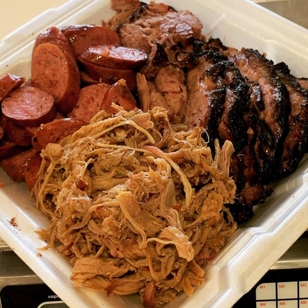 CowBurners BBQ & Taproom: 109 N Johnson St, Mineola, TX