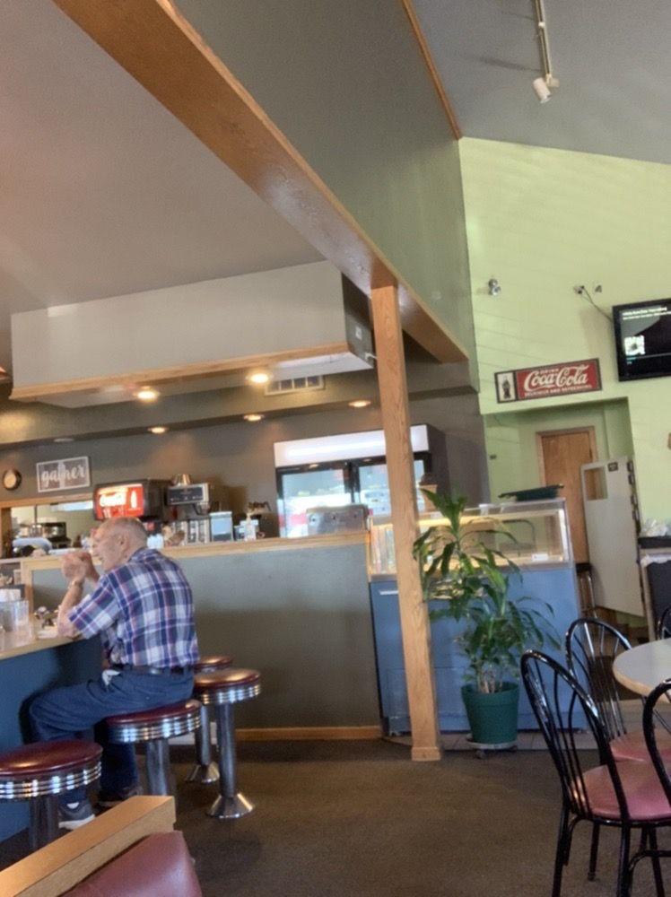 Cozy Cottage Cafe And Fixins: N11204 Antigo St, Elcho, WI