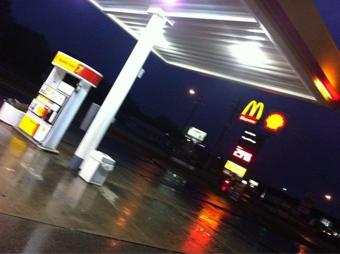 Shell: 13 S Hwy 141, Crivitz, WI