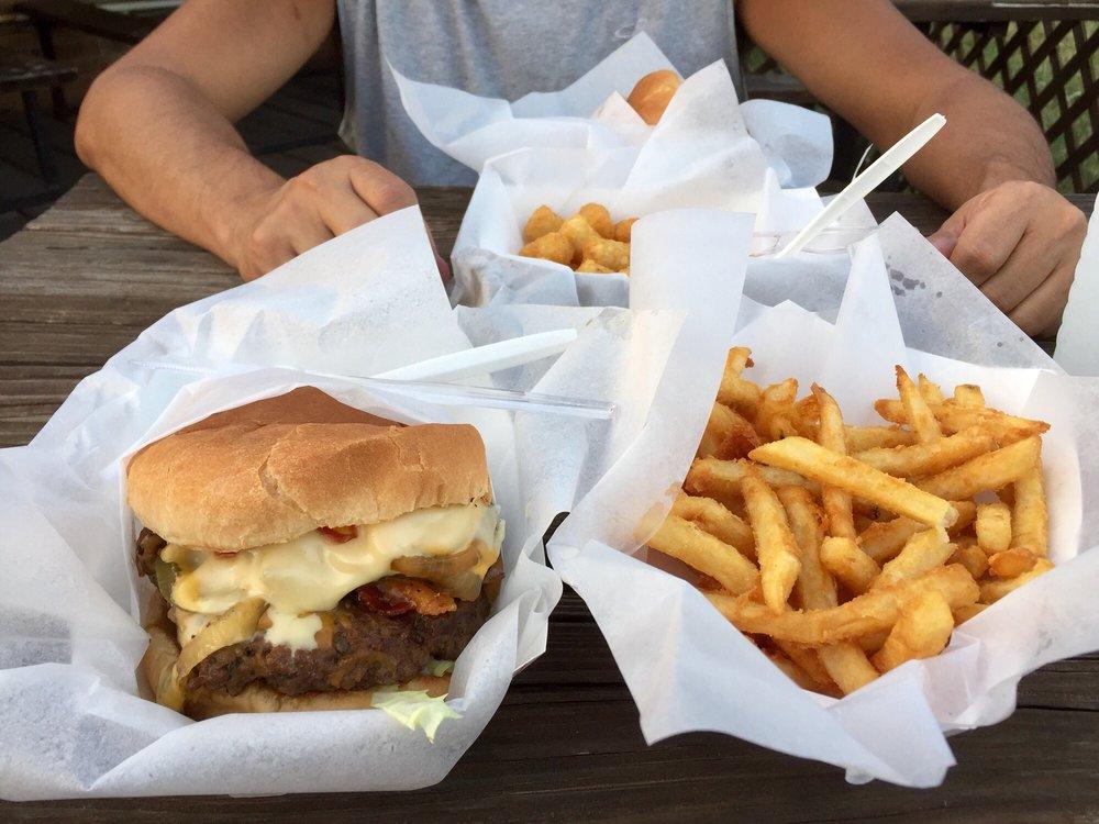 Navajo Burgers: 7028 Navajo Trl, Fort Worth, TX