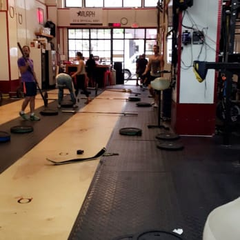 CrossFit Hell\'s Kitchen - 11 Photos & 62 Reviews - Interval ...