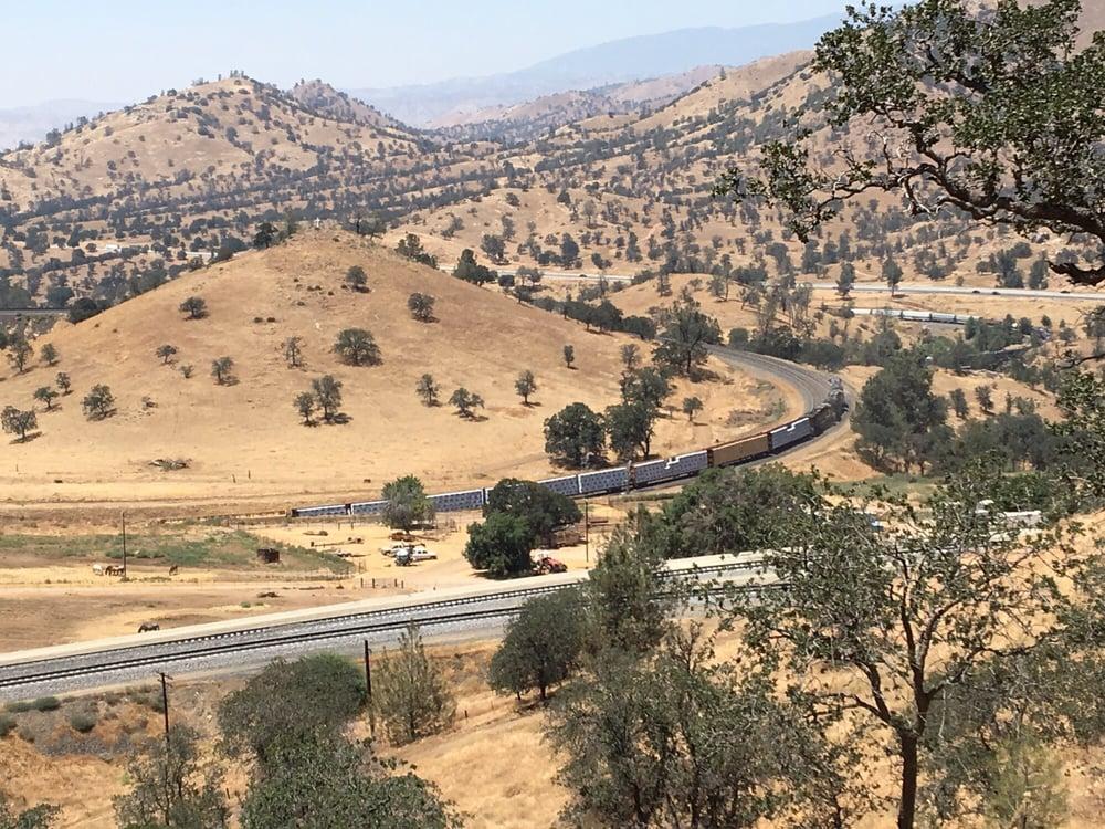 Tehachapi Loop: Woodford-Tehachapi Rd, Keene, CA